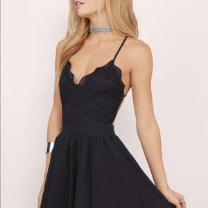 Tobi Mila Black Lace Pleated Skater Dress Sz Mm